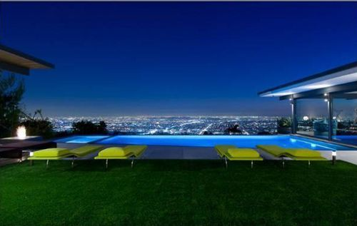 Мэттью Перри купил особняк за 8,65 миллионов долларов