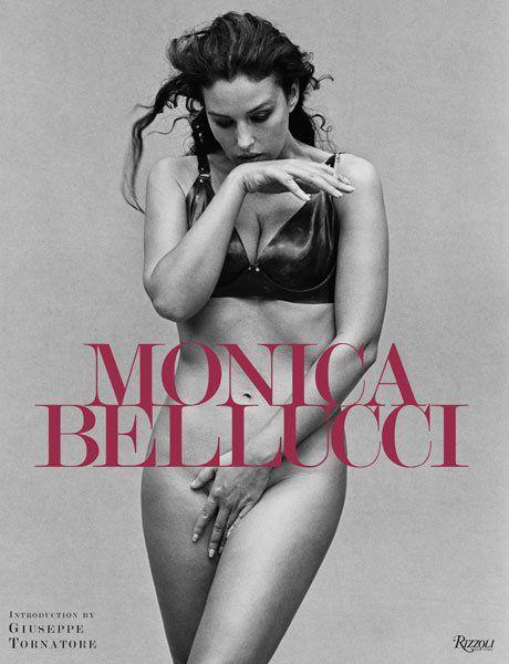 Моника Беллуччи выпустила автобиографию