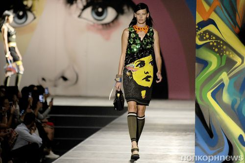 Модный показ новой коллекции Prada. Весна / лето 2014
