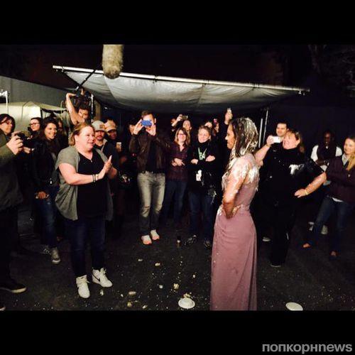 Нина Добрев отметила последний день на съемочной площадке «Дневников вампира»