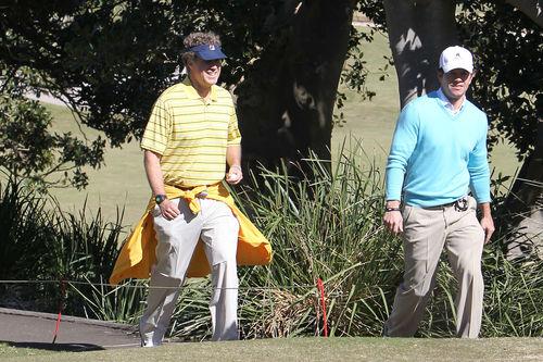 Марк Уолберг и Уилл Феррелл играют в гольф