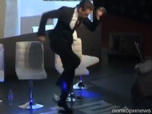 Видео: зажигательный танец Тома Хиддлстона