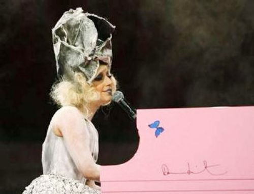 Lady GaGa ����������� ����� �����