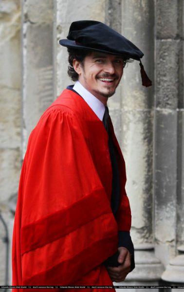 Орландо Блум получил почетную степень британского университета