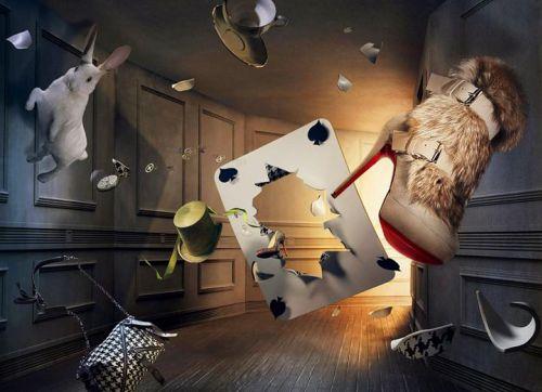 """Реклама обуви от Christian Louboutin в стиле """"Алисы в стране чудес"""""""