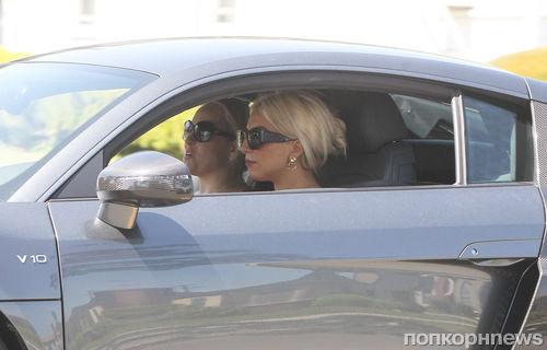 Lady Gaga берет уроки вождения