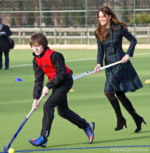 Кейт Миддлтон играет в хоккей на траве