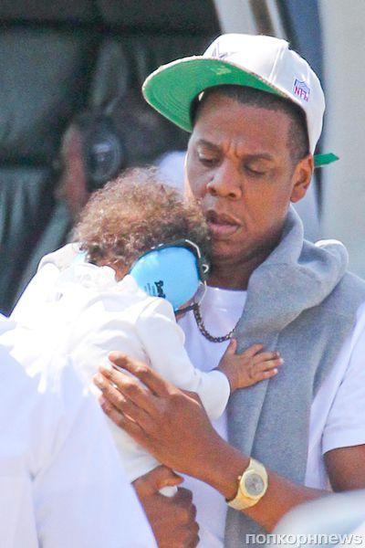 Jay-Z с дочкой в Нью-Йорке