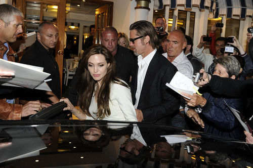 Анджелина Джоли и Брэд Питт в ресторане Tetou в Канне