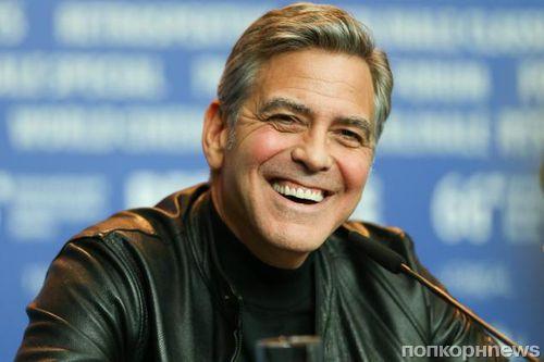 Джордж Клуни обсудит с Ангелой Меркель европейский кризис с беженцами