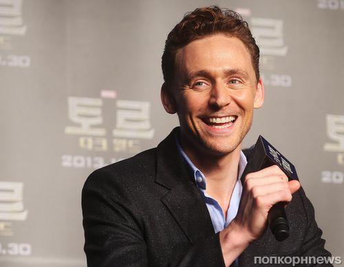 """Том Хиддлстон на пресс-конференции """"Тора 2: Царство тьмы"""" в Сеуле"""