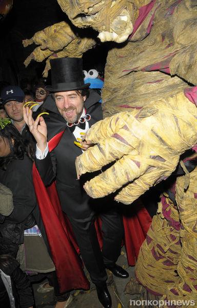 Хэллоуинская вечеринка британского ведущего Джонатана Росса