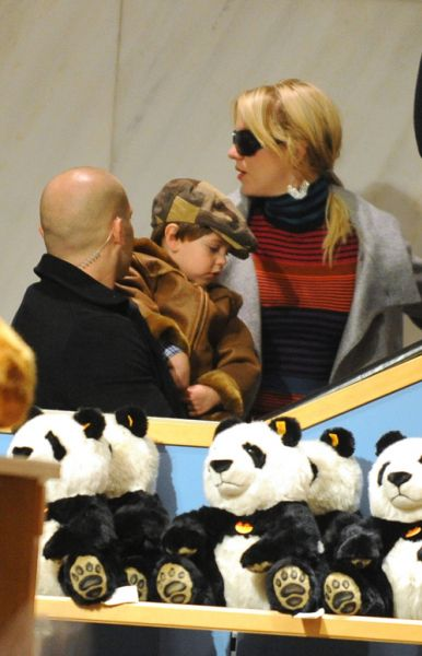 Бритни Спирс разрешили взять детей во время тура