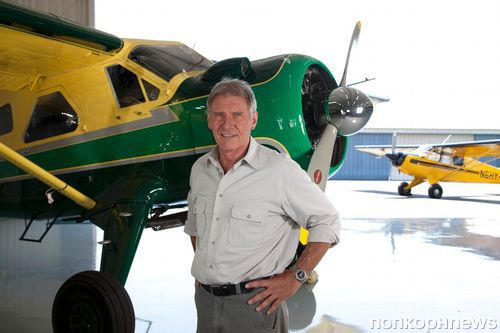 Самолет Харрисона Форда едва избежал столкновения с пассажирским авиалайнером