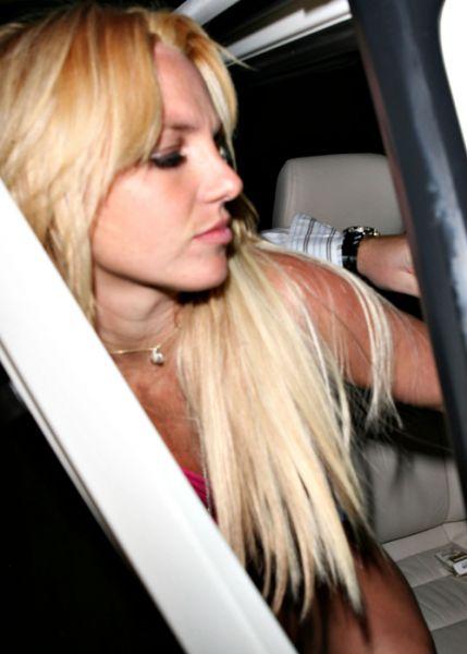 Бритни снова блондинка