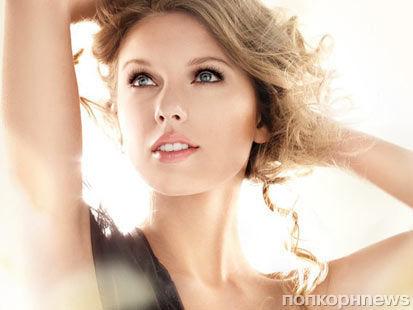 Реклама Covergirl с Тэйлор Свифт оказалась под запретом