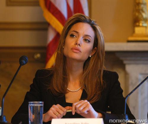 Анджелина Джоли хочет уйти из кино