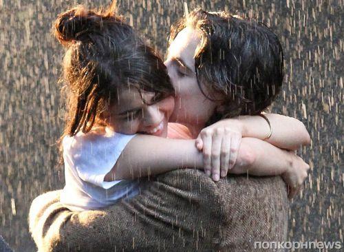 Селена Гомес и Тимоти Чаламет снимают романтические поцелуи под дождем для нового фильма Вуди Аллена