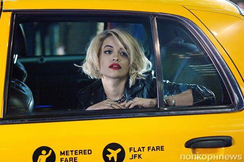 Рита Ора на съемках для DKNY