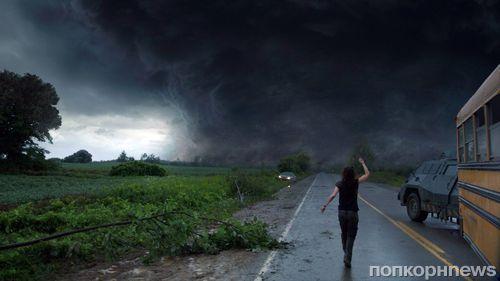 """Дублированный трейлер фильма """"Навстречу шторму"""""""