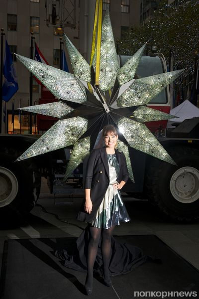 Оливия Уайлд украсила елку Нью-Йорка