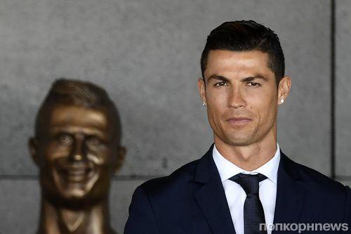 Бронзовая статуя Криштиану Роналду стала источником мемов