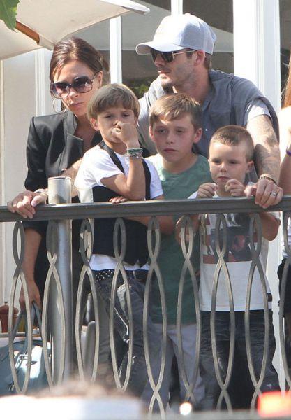 Семья Бэкхем на концерте Jonas Brothers