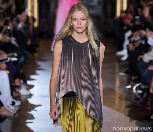 Модный показ новой коллекции Stella McCartney. Весна / лето 2016