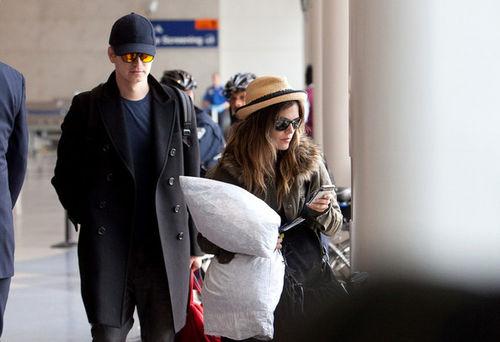 Хайден Кристенсен и Рэйчел Билсон в аэропорту Лос-Анджелеса