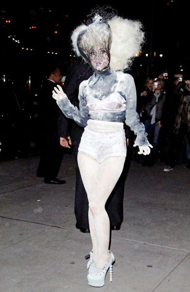 Lady GaGa ���������� ������ ����� � �������