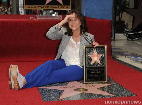 Салли Филд получила звезду на Аллее славы