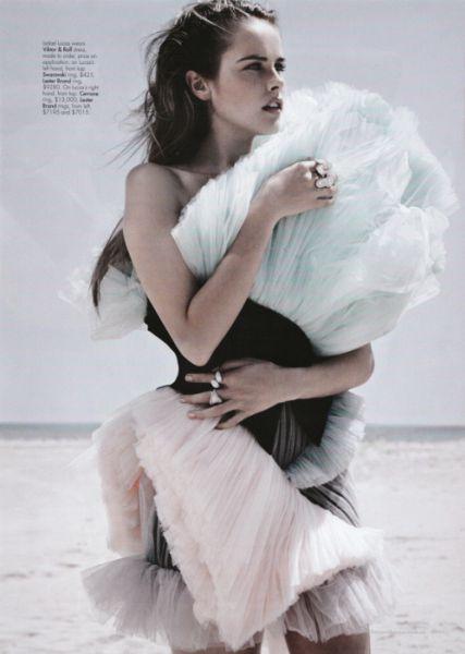 Изабель Лукас в журнале Harper's Bazaar Австралия