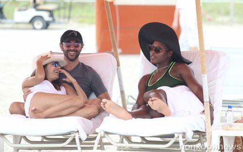 Ева Лонгория отдыхает в Майами