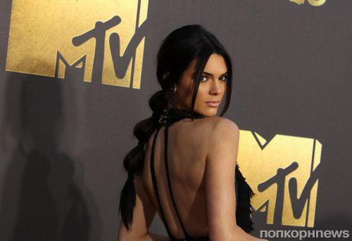 Кендалл Дженнер показала откровенное фото  подготовки к MTV Movie Awards 2016