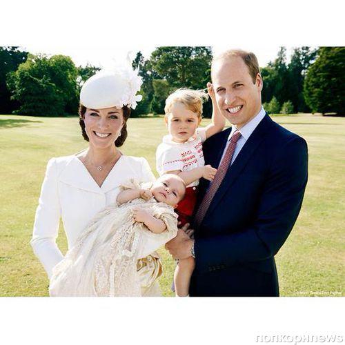 Первые официальные фото с крестин принцессы Шарлотты