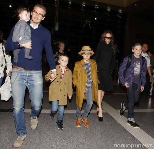 Дэвид и Виктория Бэкхем с детьми в Лос-Анджелесе