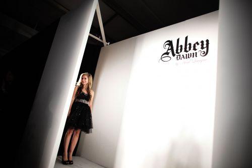 Аврил Лавин представила свою новую линию одежды