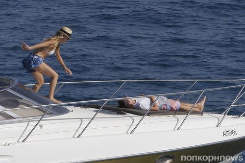 Кейт Хадсон и Мэтт Беллами отдыхают на Ибице