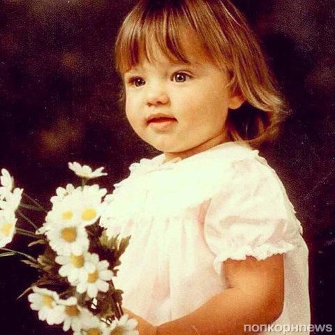 Звезды в детстве и сейчас: самые смешные детские фото знаменитостей