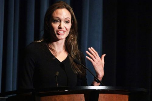 Анджелина Джоли не любит моду