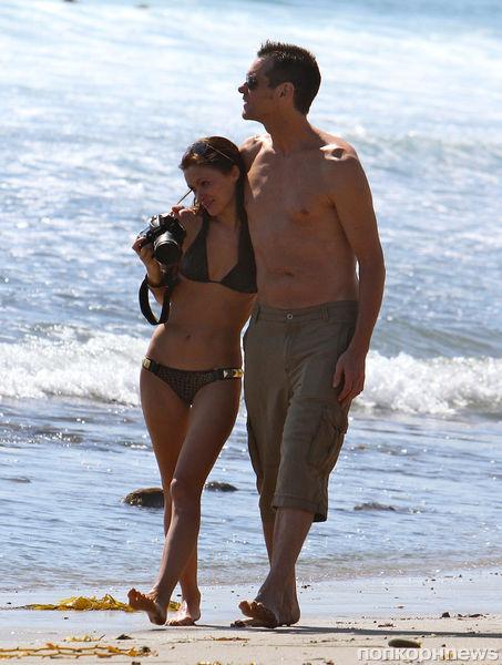 Красивые девушки на пляжах малибу фото 273-581