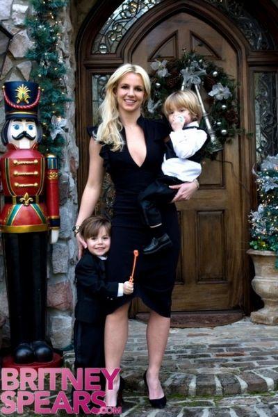 Фотографии Бритни Спирс и ее детей перед свадьбой брата
