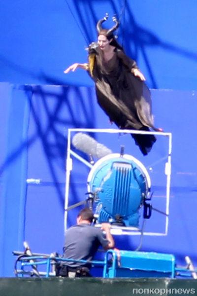 Анджелина Джоли на съемках фильма «Малефисента»