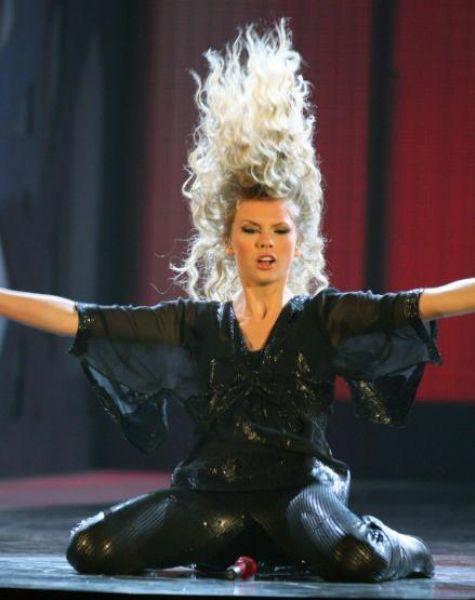 Выступление Тэйлор Свифт на CMA Awards