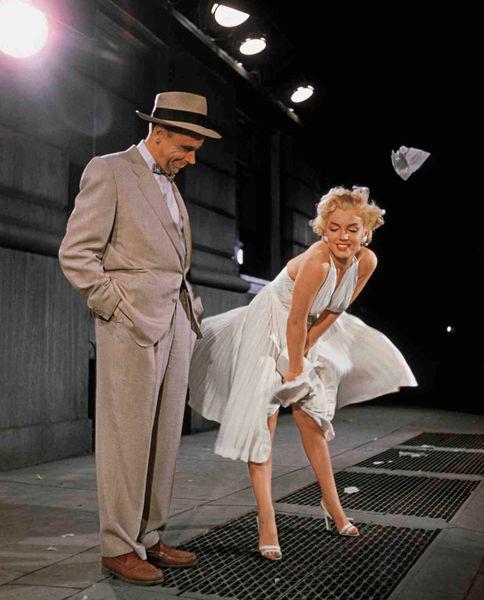 Платье Мэрилин Монро было продано за 4,6 миллиона долларов