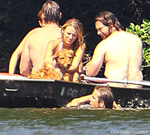 Блэйк Лайвли и Райан Рейнольдс отдыхают на озере