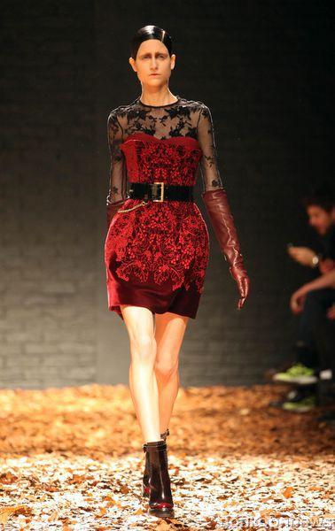 Модный показ  McQ Alexander McQueen. Осень / зима 2012-2013