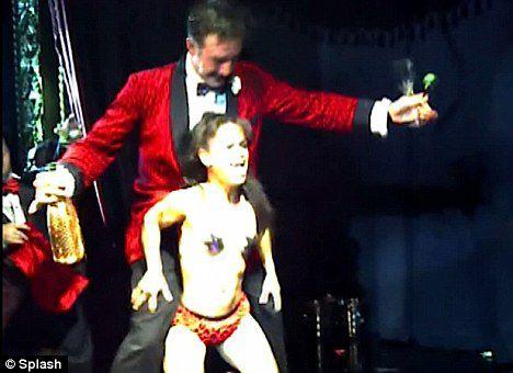 Зажигательные танцы Дэвида Аркетта