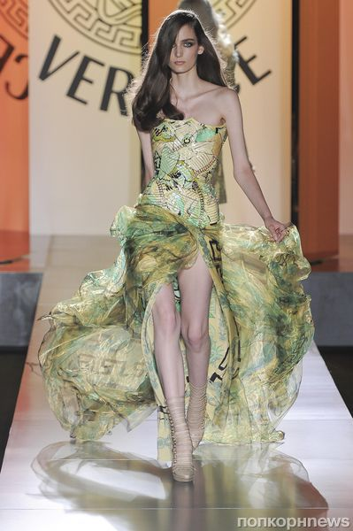 Показ новой коллекции Versace Haute Couture. Осень / зима 2012-2013