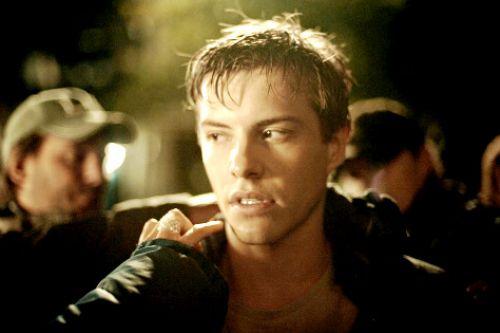 Первое фото Ксавьера Сэмюеля в роли Райли из фильма «Затмение»